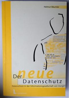"""""""Der neue Datenschutz"""" hieß der Sammelband, in dem Bäumler seine Ideen skizzierte und verschiedene Wegbegleiter dazu brachte, aus ihrer Perspektive den Datenschutz weiterzudenken. Viele Beiträge beruhen auf Vorträgen, die 1998 auf der von Bäumler gegründeten Datenschutz-Akademie Schleswig-Holstein gehalten wurden."""