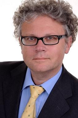 Johannes Caspar steht dafür, den digitalen Wandel der Gesellschaft zu gestalten und zu ordnen.