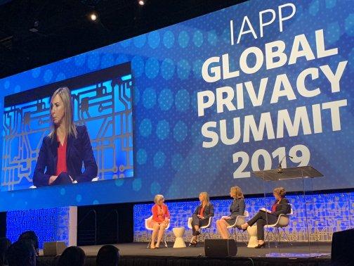 4 Personen auf der Bühne der IAPP Global Privacy Summit 2019